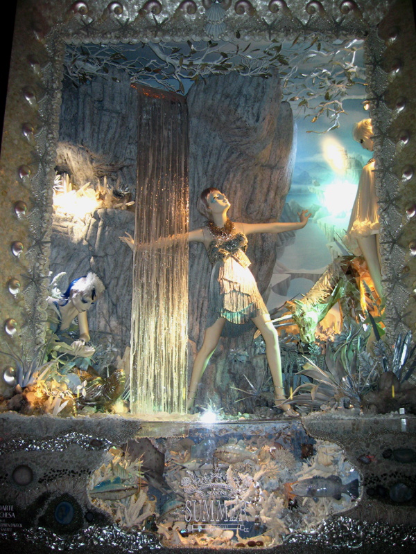 Bergdorf window displays December 2008